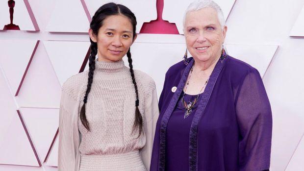 Chloé Zhao and Charlene Swankie