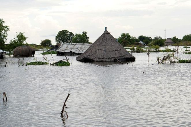 Emergency unfolding' in flooded South Sudan - BBC News