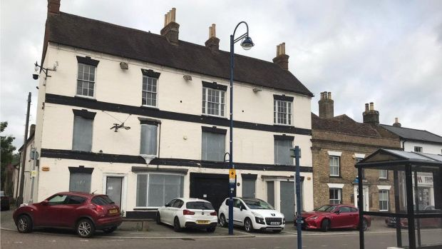Old closed pub in St Neots