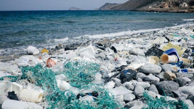 Rubbish on the coastline