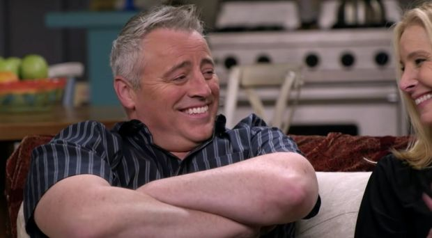Matt LeBlanc and Lisa Kudrow on the set of Friends