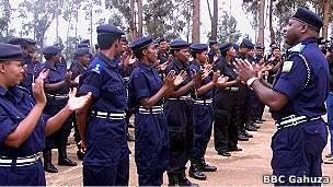 Leta y'u Rwanda ivuga ko abapolisi bayo ari abanyamwuga