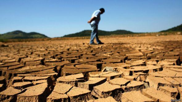 Seca no reservatório de Jaguari, abastecido pela Cantareira / Crédito: Reuters