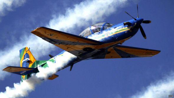 Avión militar brasileño fabricado por Embraer