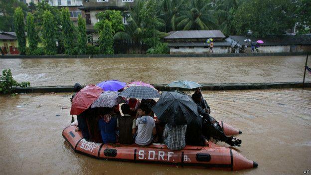आसाम, बाढ़