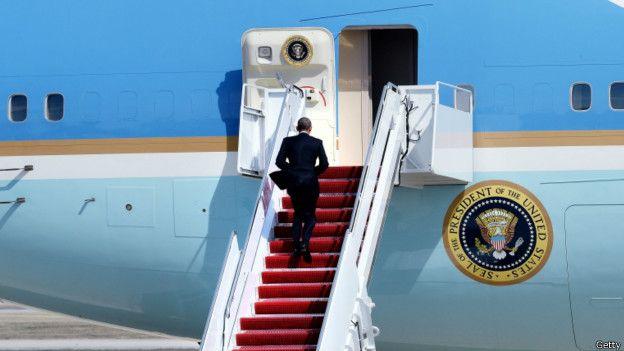 Obama abordando el Air Force One