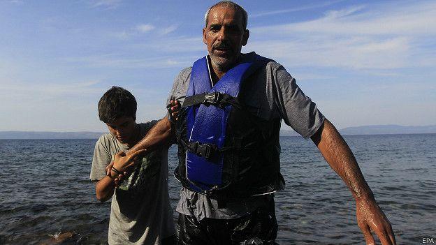 refugiado sirio llega a costas de turquía