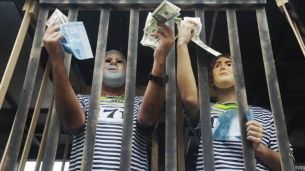 Dinero cárcel