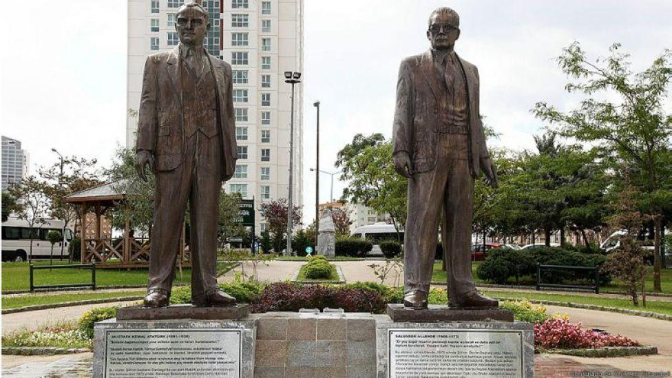 Monumento en Estambul. Foto: Consulado de Chile en Estambul