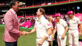 Steve Smith shakes hands with Glenn McGrath