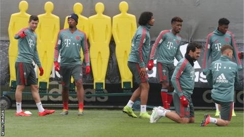 Robert Lewandowski, Jerome Boateng, Joshua Zirkzee, Kingsley Coman, Mats Hummels, David Alaba and Joshua Kimmich in Bayern Munich training
