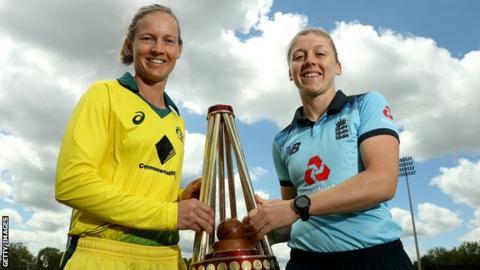sport Meg Lanning and Heather Knight