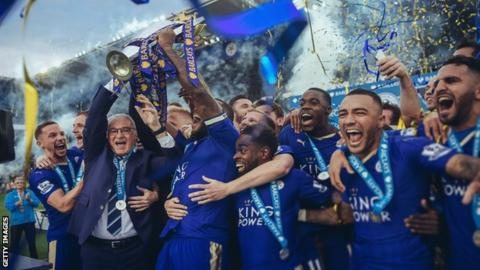 sport Leicester celebrate their title win in 2016