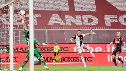 Cristiano Ronaldo scores against Genoa