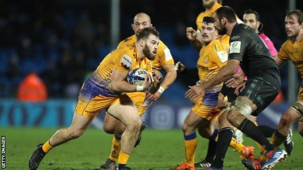 Exeter's Luke Cowan-Dickie runs with the ball