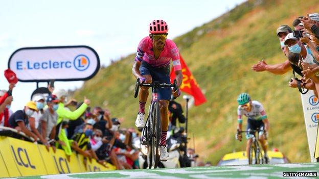 Daniel Martinez wins stage 13
