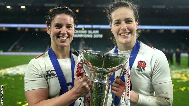 Sarah Hunter and Emily Scarratt with the Women's Six Nations trophy