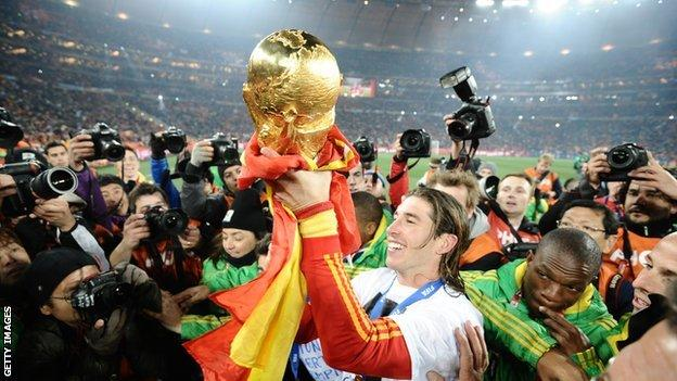 Sergio Ramos lifts the World Cup in 2010