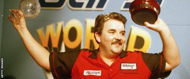 Phil Taylor wins the 1995 PDC World Darts Championship