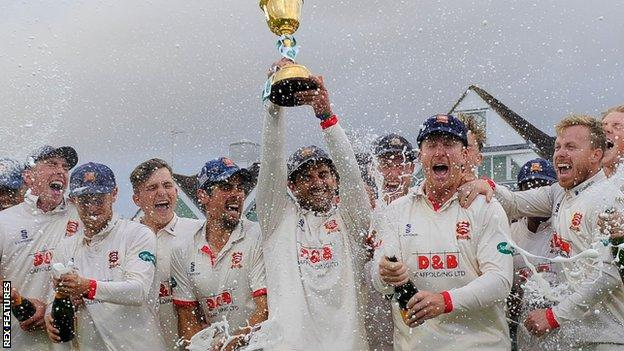 , County Championship to return to two divisions in 2022, The Evepost BBC News