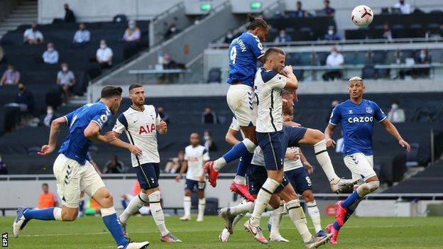 Dominic Calvert-Lewin scores for Everton against Tottenham