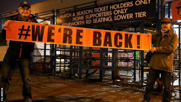 Fans de Luton Town à Kenilworth Road