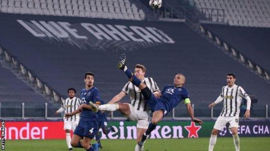 Pepe makes a clearance with an overhead kick