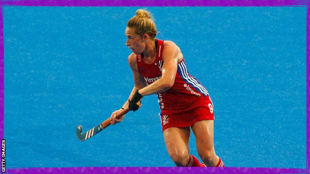 sport Susannah Townsend playing hockey
