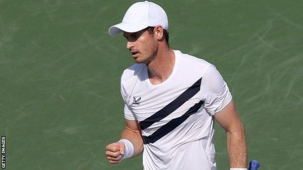 Andy Murray in action against Frances Tiafoe