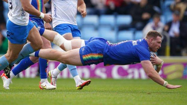 Sam Simmonds scores his second try for Exeter