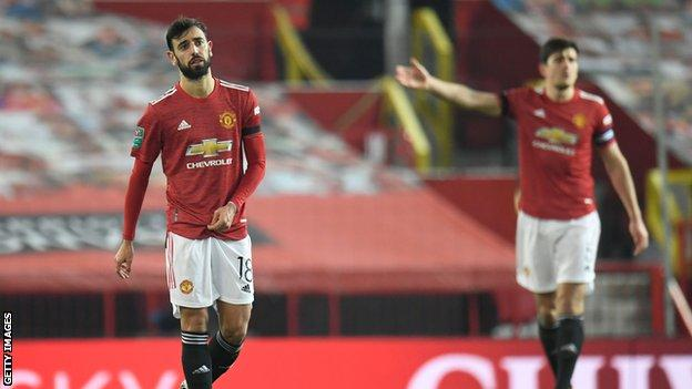Manchester United's Fernandes and Maguire