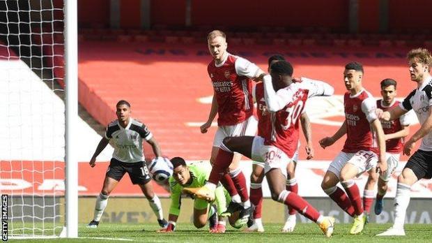 Eddie Nketiah scores