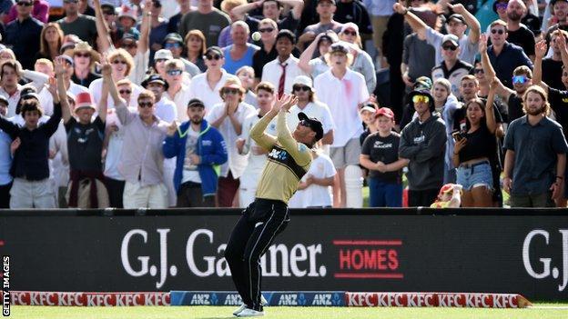 Glenn Phillips takes catch for New Zealand