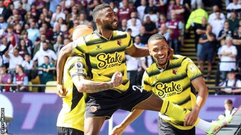 Watford 3-2 Aston Villa: Watford beat Aston Villa in five-goal thriller on  Premier League return - BBC Sport