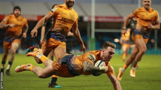 Stuart Hogg scores a try for Exeter