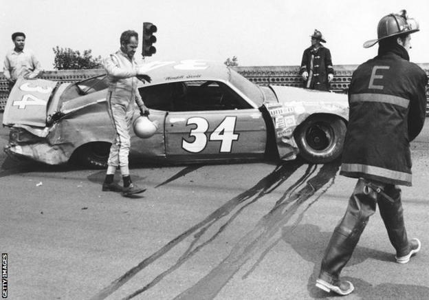 sport Scott walks away from a bad crash
