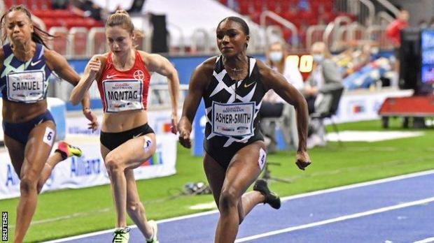 Dina Asher-Smith in action in Dusseldorf