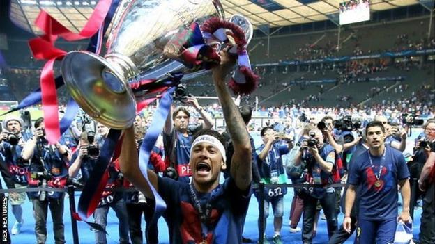 Neymar celebrates winning the 2015 Champions League final with Barcelona