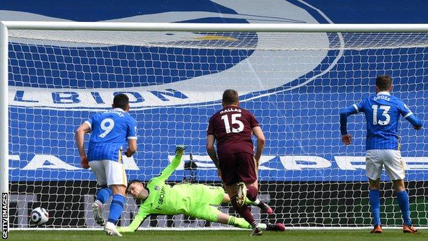 Brighton close to safety after beating Leeds
