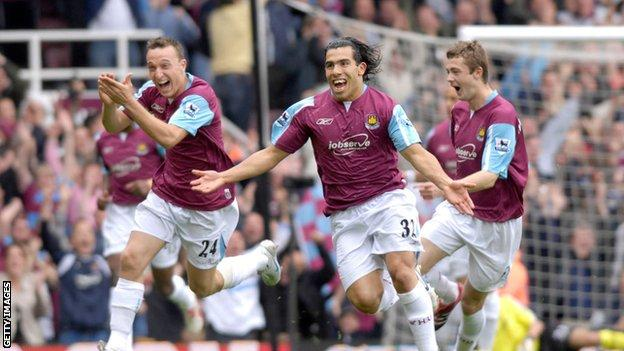Carlos Tevez scores for West Ham against Manchester United