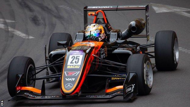 Sophia Florsch driving at the Macau Grand Prix