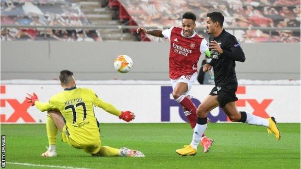 Pierre-Emerick Aubameyang scores his first goal