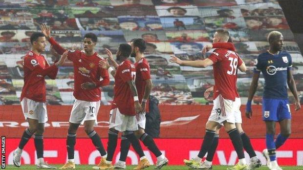 Manchester United celebrate win over Southampton
