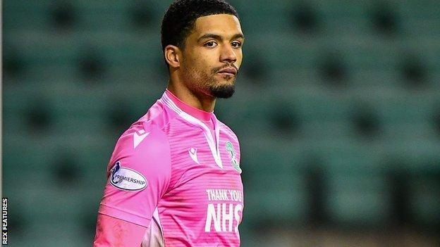 Dillon Barnes: Burton Albion sign QPR goalkeeper on loan - BBC Sport