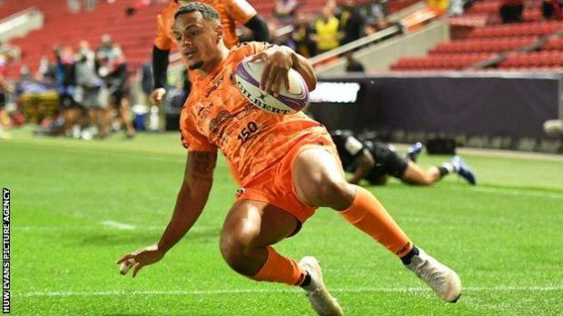 Ashton Hewitt's try capped an impressive start to the game by Dragons