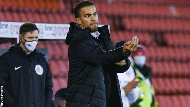 Barnsley 3-0 Queens Park Rangers: New boss Valerien Ismael leads Tykes to  first win of season - BBC Sport