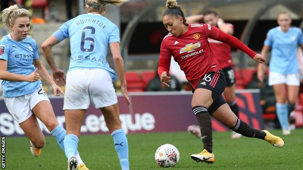 Lauren James in action for Manchester United against Manchester City