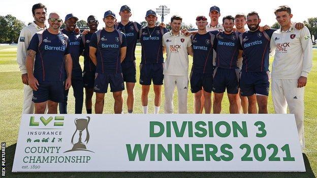 Kent win Division Three