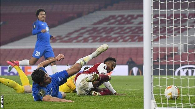 Arsenal equalise against Molde in the Europa League Group B game through Kristoffer Haugen's own goal