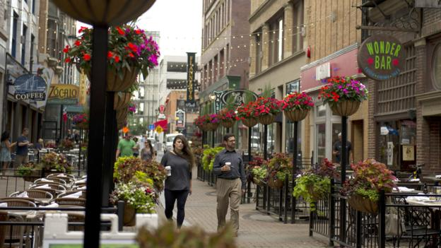 Cafes and pubs dot Cleveland's East 4th Street (Credit: Credit: Jeff Swensen/Getty)